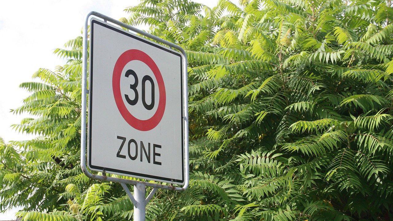 30を規制するイメージ